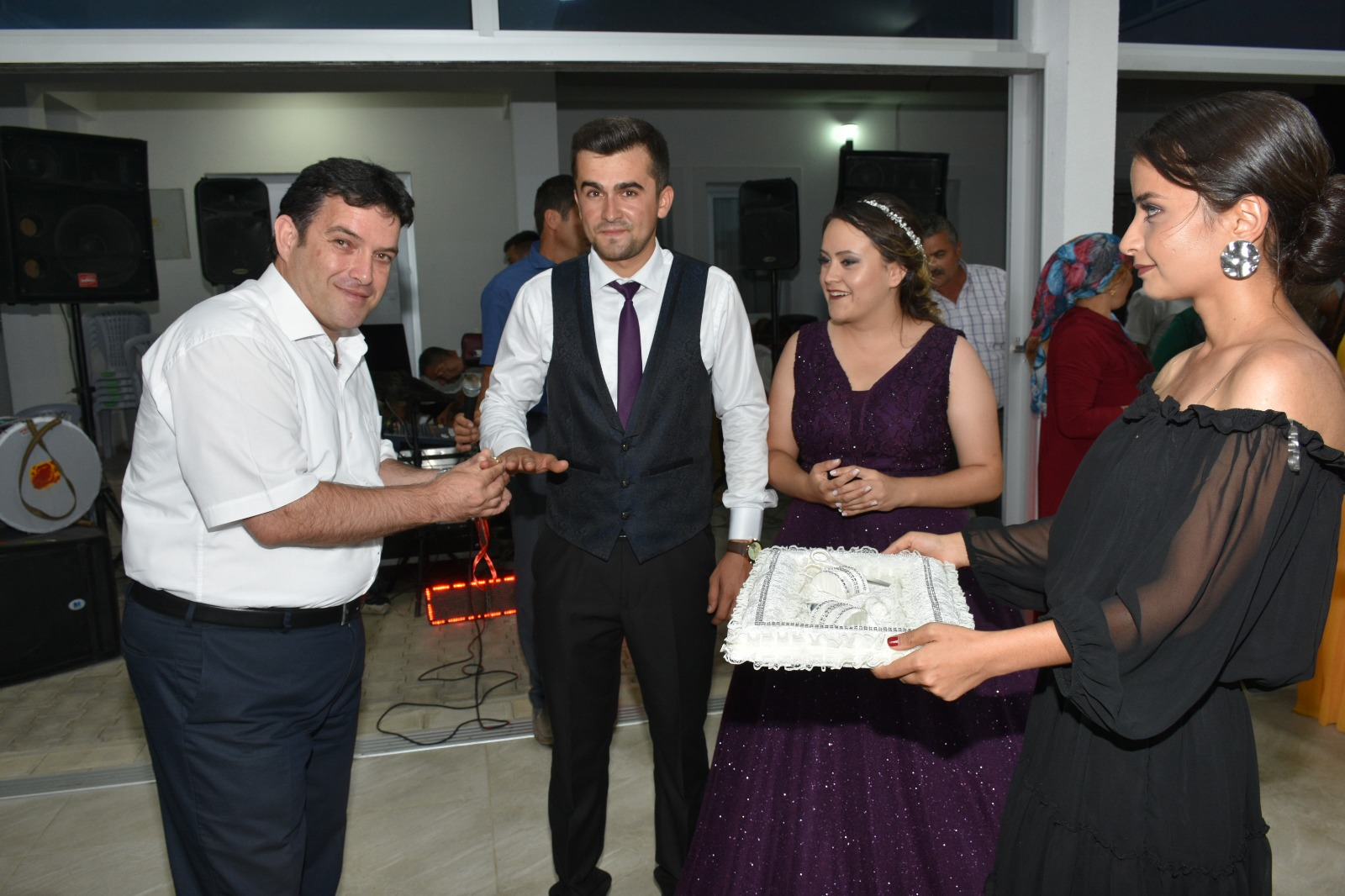 """""""GÖNÜLLERİ BİRLEŞTİRMEYE DEVAM EDİYORUZ"""